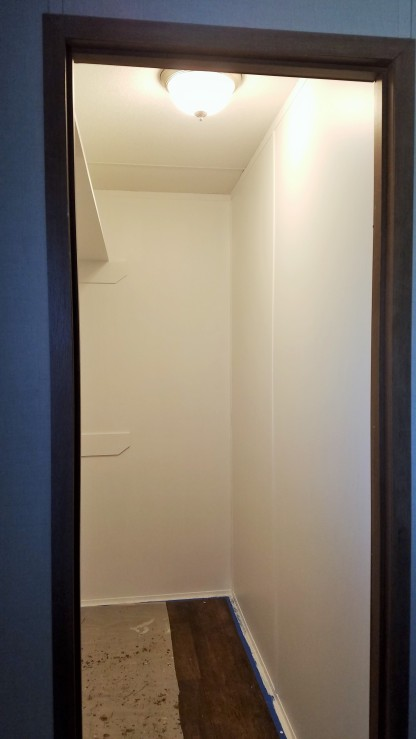20170129_163957-master-closet-2